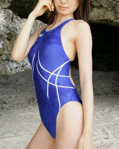 競泳水着のお姉さん
