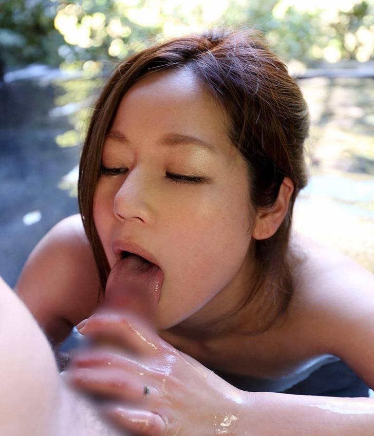 美味しそうに舐める亀頭フェラチオ