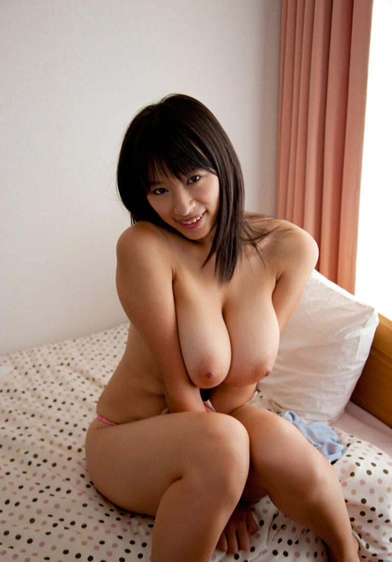 巨乳や爆乳の寄せ乳