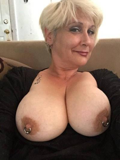 外人巨乳熟女の写メ