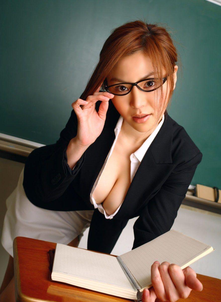巨乳女教師