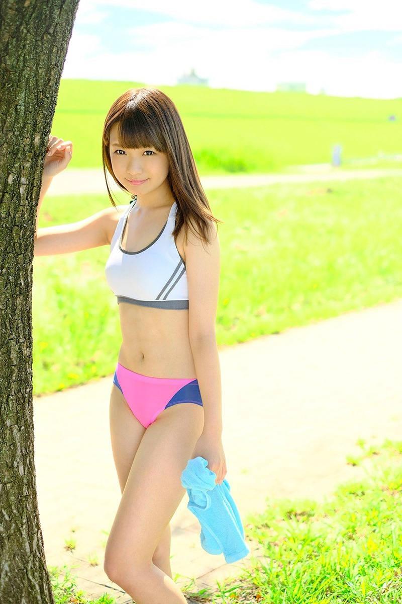 スポーツウェアの女子
