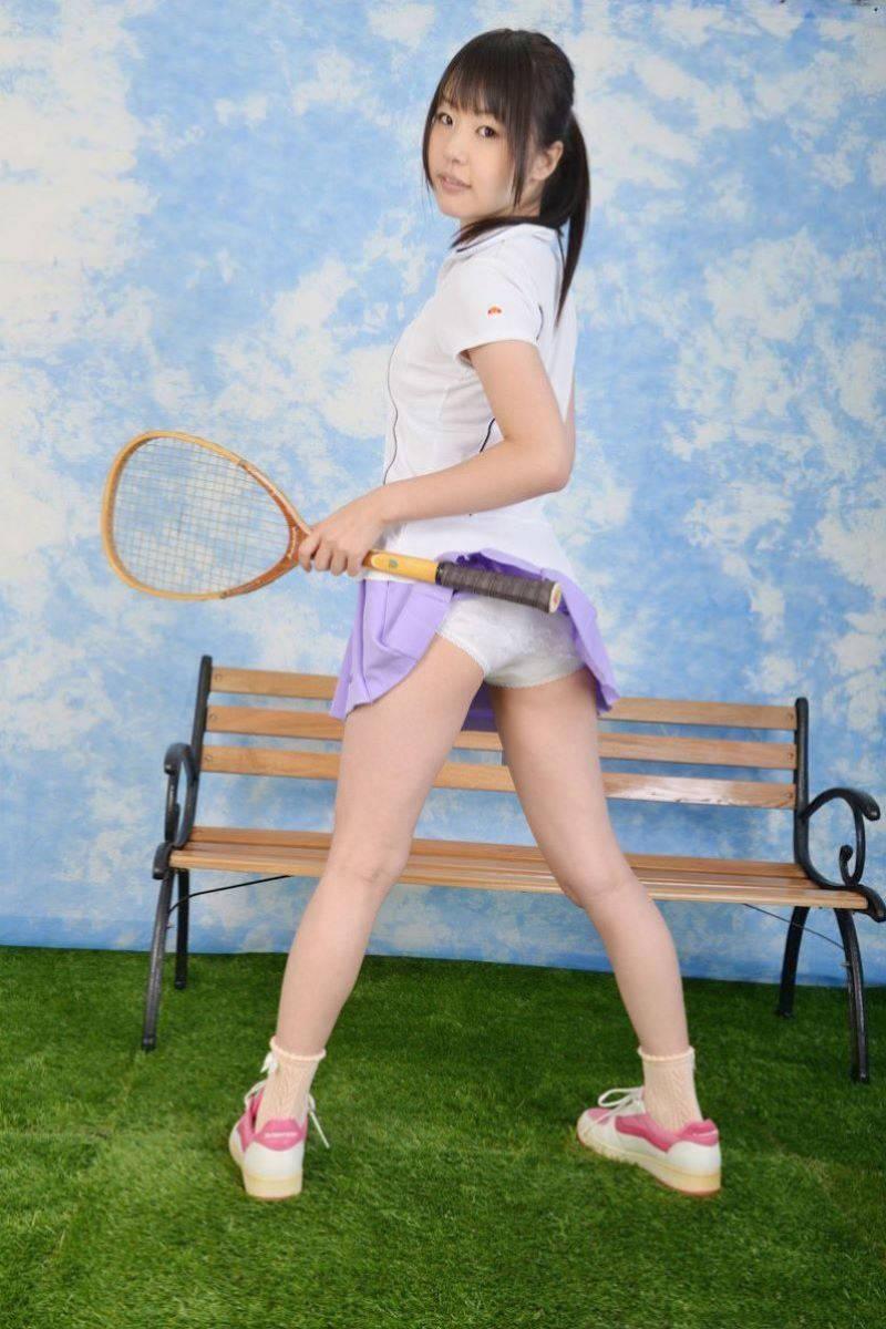 テニスウェア女子のお尻