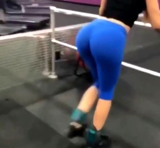 スポーツジム女性のお尻