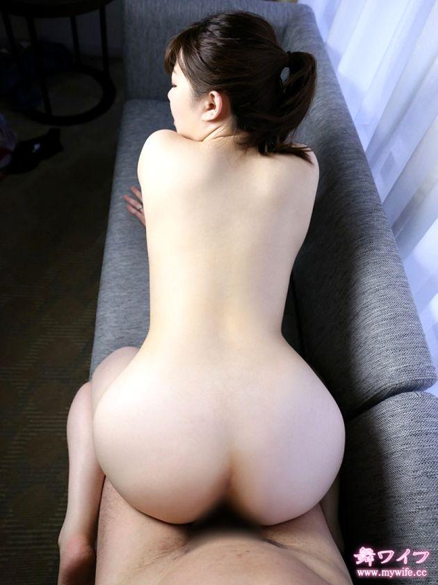 若妻の後背位お尻