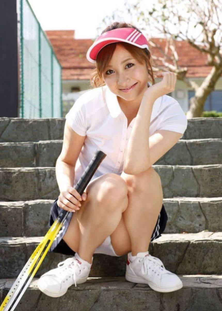 テニスウェア女子のパンチラ