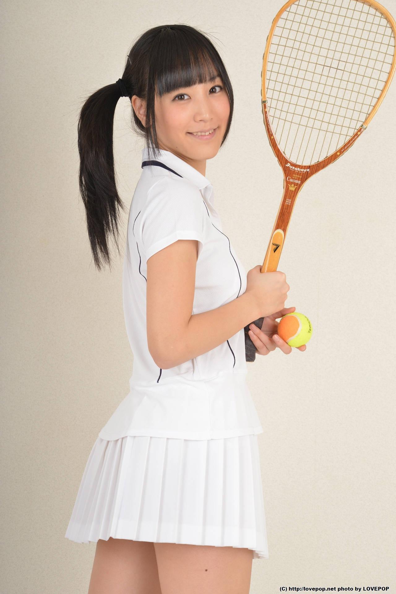 可愛いテニスウェア女子