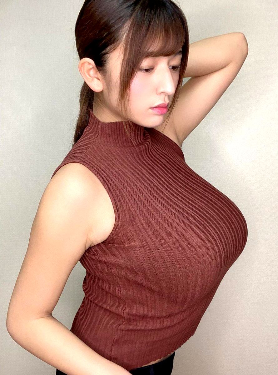 着衣巨乳おっぱい