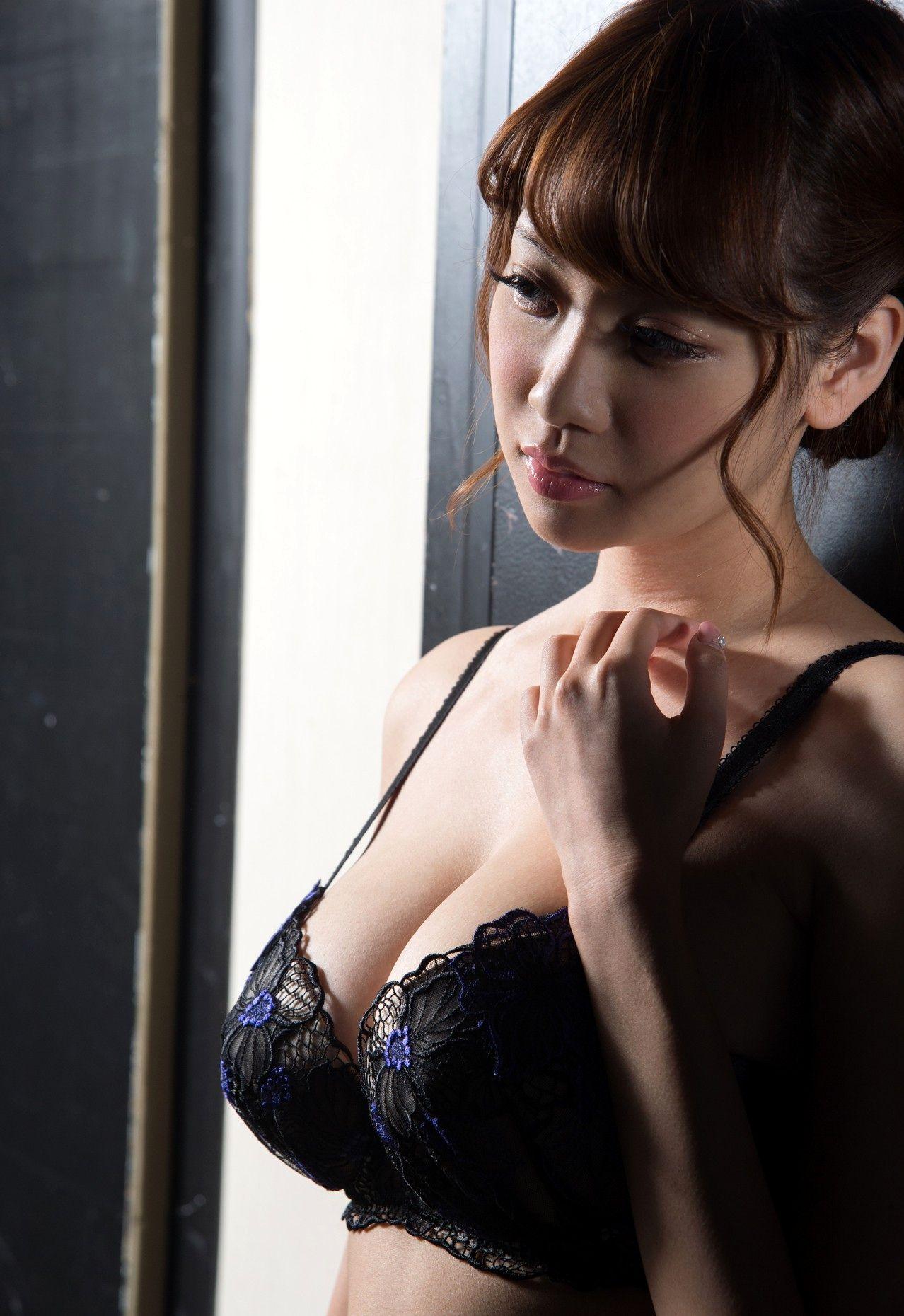 安齋ららのヌード写真