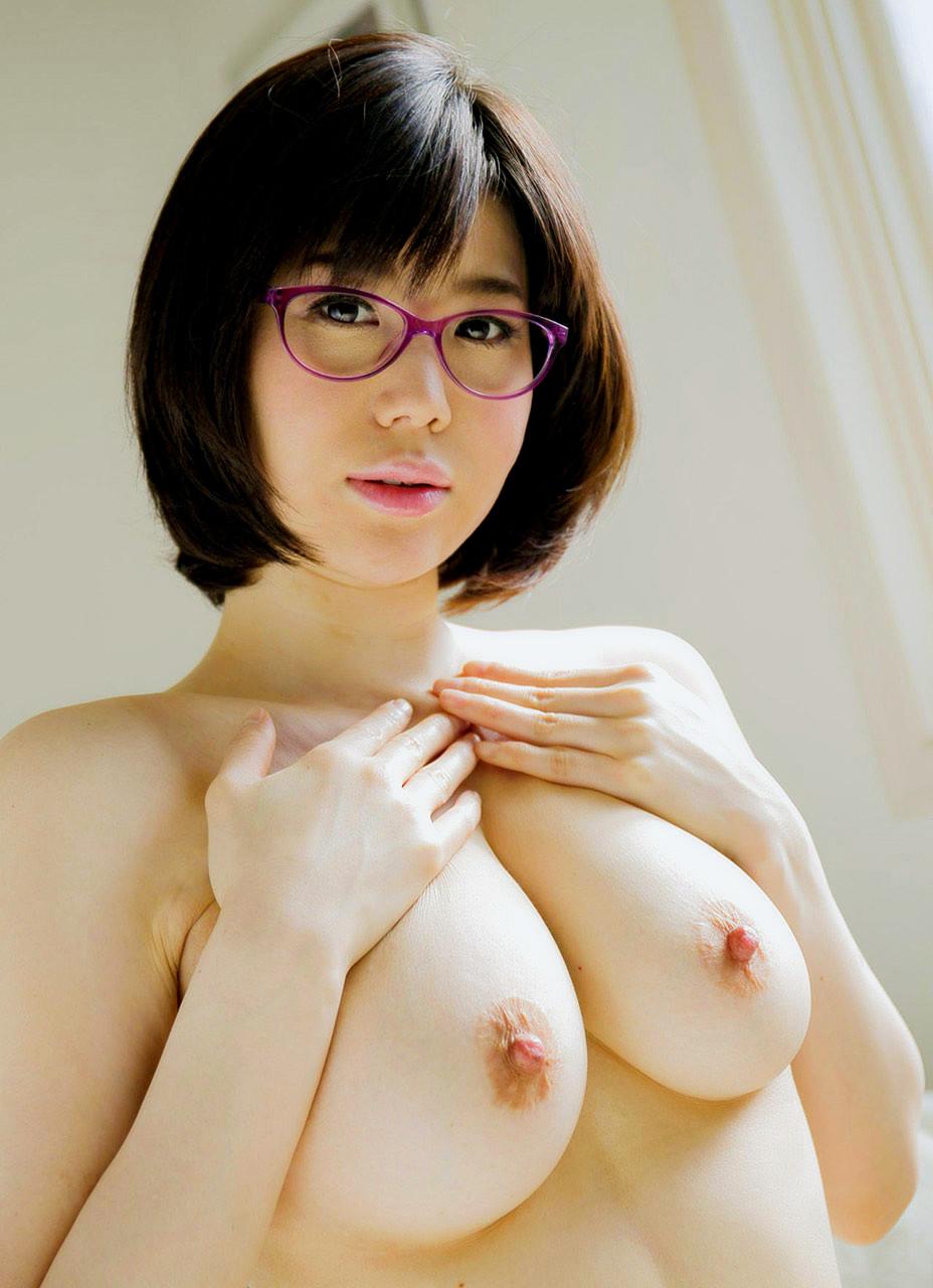 眼鏡女子のおっぱい
