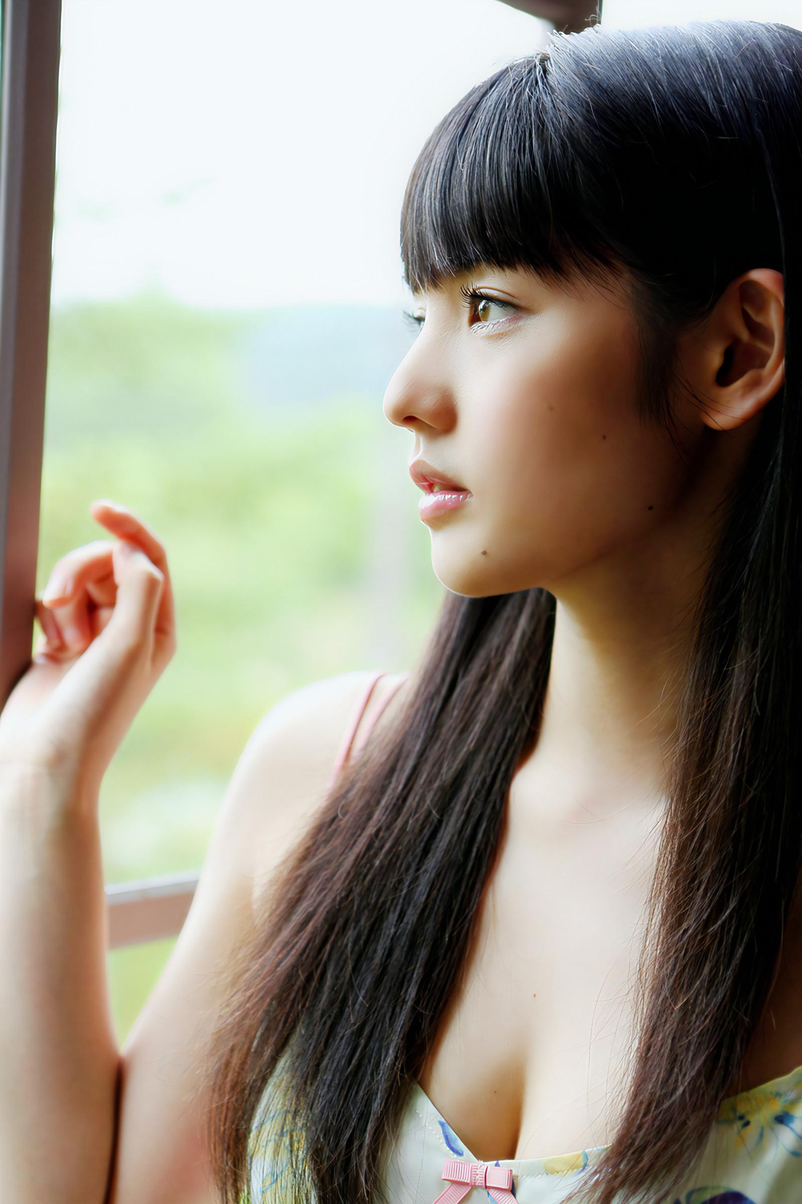 胸キュン横顔女子