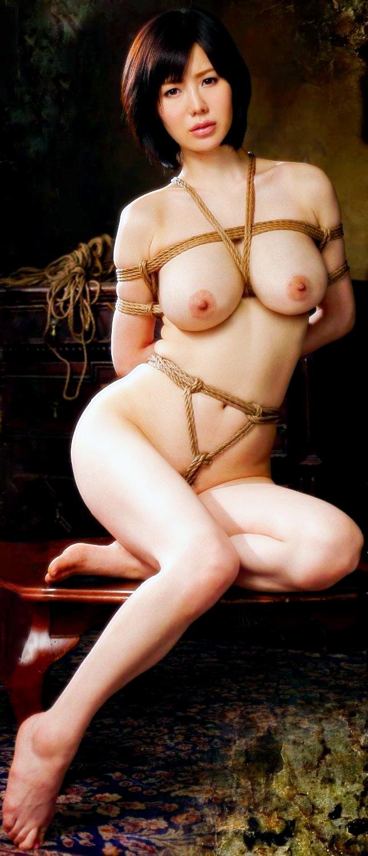 巨乳女子の緊縛